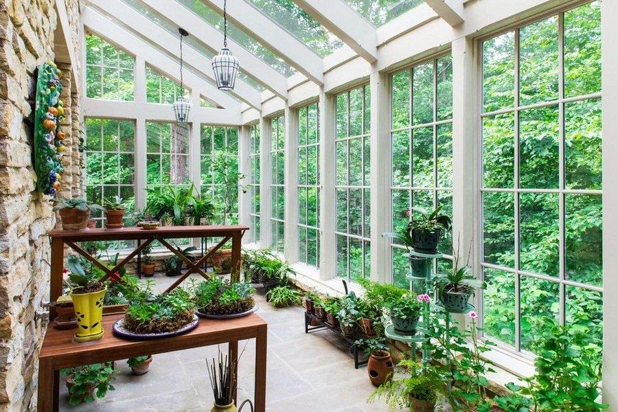 Как обустроить в офисе зимний сад?