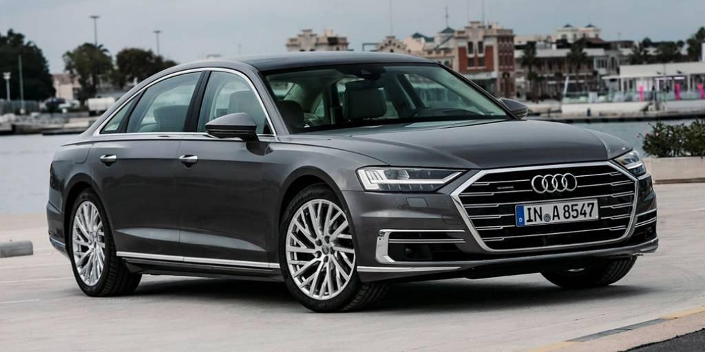 Audi представляет флагманский A8 на TouristAutoShow
